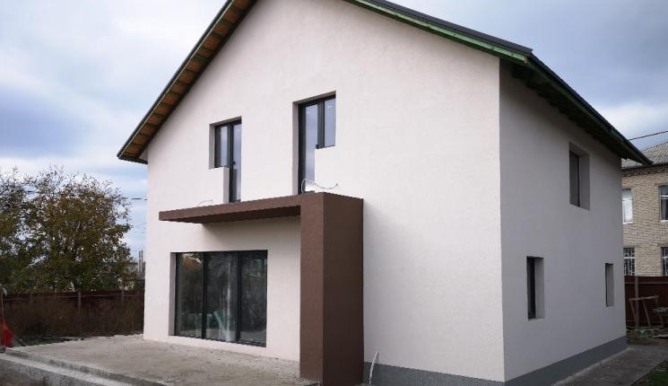 Сучасний будинок з мансардою в м. Запоріжжя