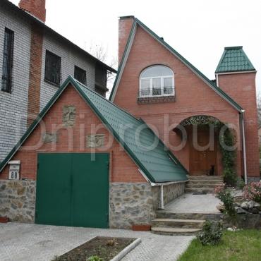 Будинок на вузькій ділянці