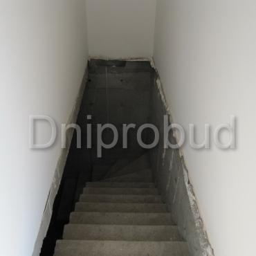 Сучасний двоповерховий котедж